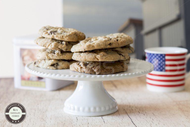Nuts & chocolate cookies