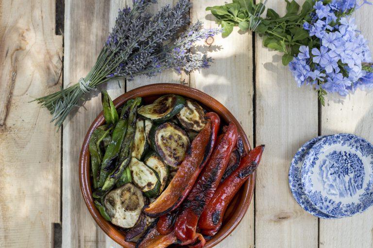 'Mariscada' and veg a la plancha